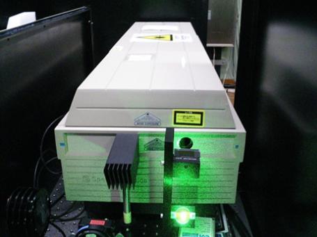 レーザー発振器の例